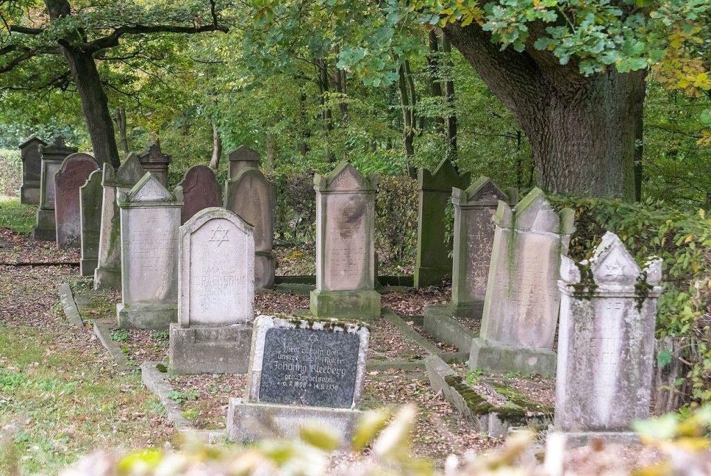Ein jüdischer Friedhof nachweisbar