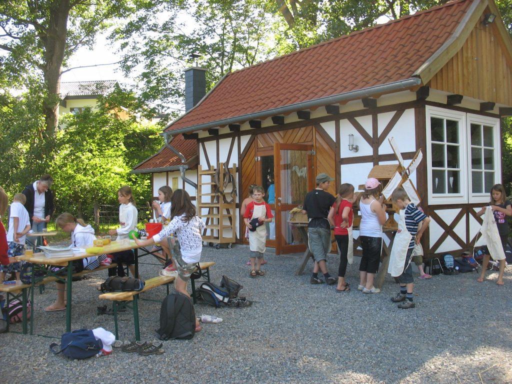 Errichtung eines Backhauses auf dem Schützenplatz