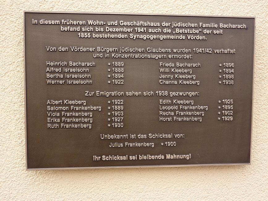 Gedenktafel am ehemaligen Haus Bacharach, Marktstraße 3